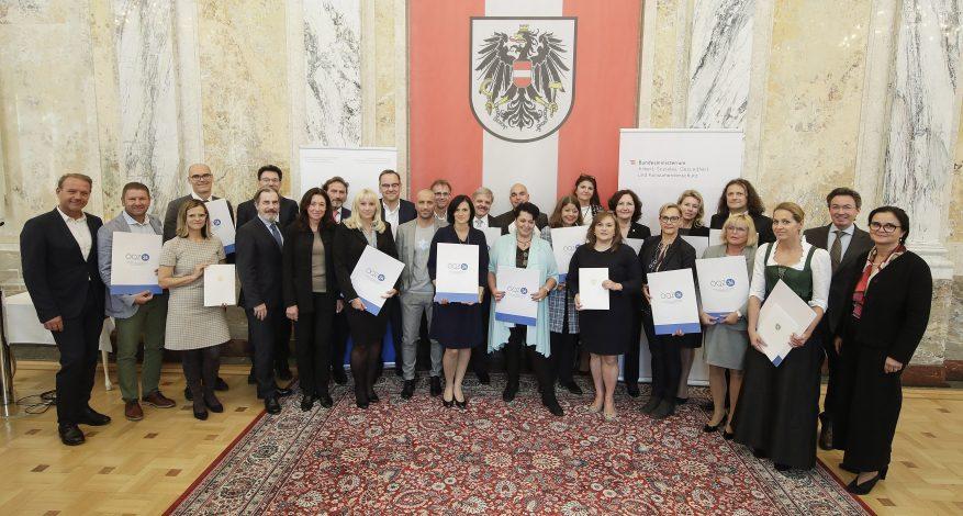 Verleihung des Qualitätszertifikats ÖQZ 24 an BestCare24